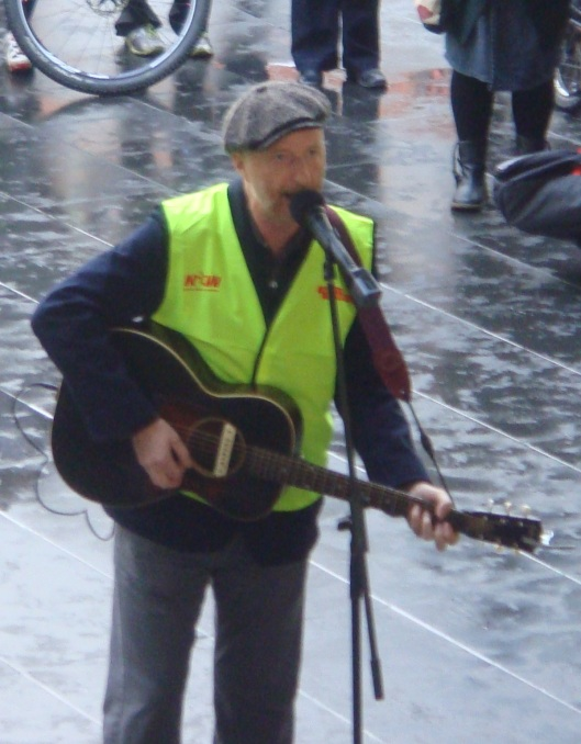 "Billy Bragg singing ""There is Power in a Union"""