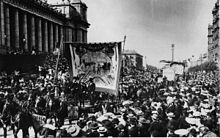 220px-Melbourne_eight_hour_day_march-c1900